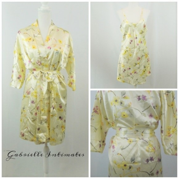 Gabrielle Other - Vintage Silky Nightgown and Robe Yellow Floral